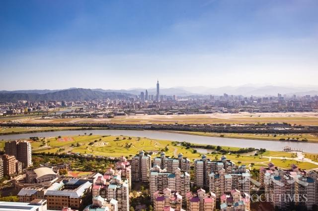 專家認為,台灣房地產市場將盤整4年,預估2022年止跌回升,「全年移轉40萬棟以上,房價才有上漲曙光」。圖為示意照。(記者陳柏州/攝影)