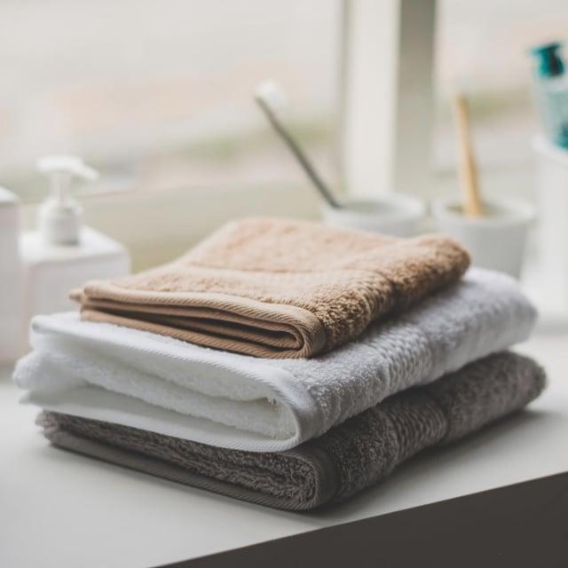 毛巾定期更新較乾淨。(業者提供)