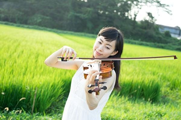 稻米喜歡聽小提琴,也喜歡貝多芬。(violetblue/Shutterstock)