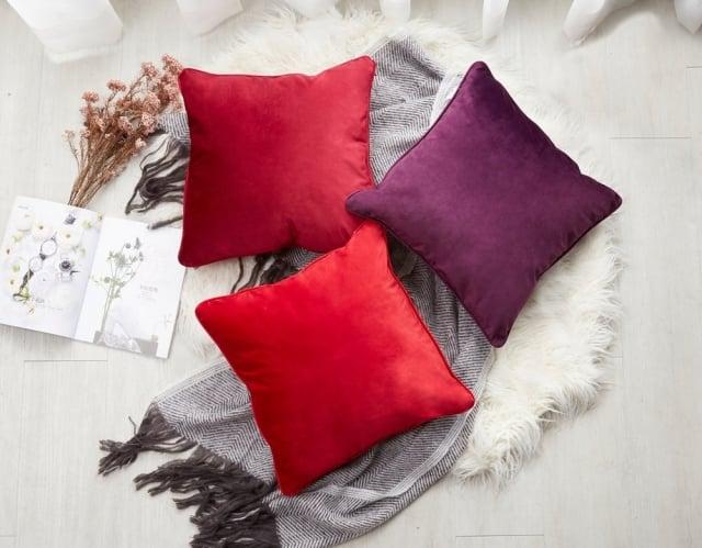 射手座-北歐風簡約天鵝絨布面抱枕。(業者提供)