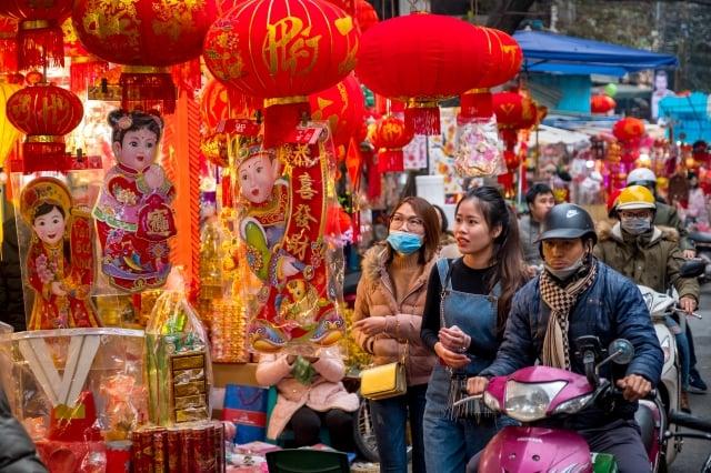 越南街上傳統年節氣氛。(Getty Images)