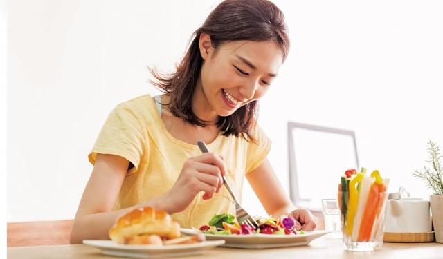 控制血糖基本上只要奉行「先從蔬菜開始吃」的7字箴言,再遵守下列法則就 OK囉!(Fotolia)