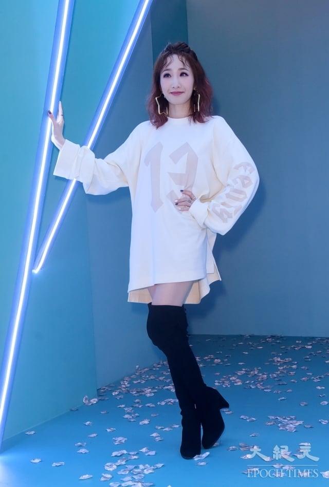 歌手朱俐靜30日在台北參觀冰淇淋特展。(記者黃宗茂/攝影)