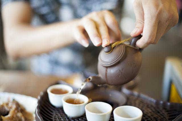 透過飲茶以茶學禮,修身養性。(Fotolia)
