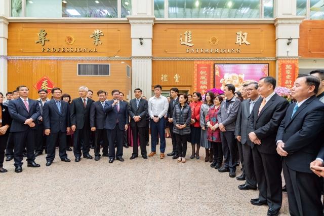 桃園市長鄭文燦(中)表示,規劃市府第二行政園區,讓市民朋友洽公更方便。