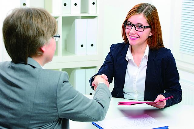 對於潛在的求職者,付出時間並克服障礙,相信最終總是會有所收穫。(123RF)