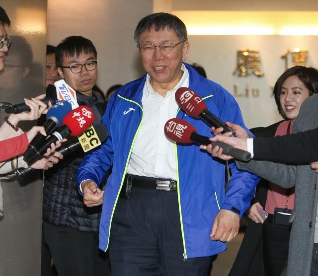 對於台北捷運環狀線第一期預計在2019年第4季通車,台北市長柯文哲12日說,「我都覺得還太慢了。」(中央社)