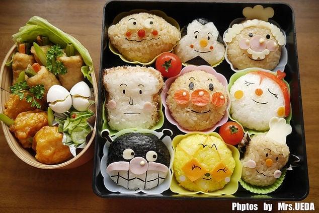 上田太太做的第一個卡通便當-麵包超人,是最值得懷念的,之後製作的各種可愛卡通便當改變了上田的人生。(上田太太上甜生活粉專提供)