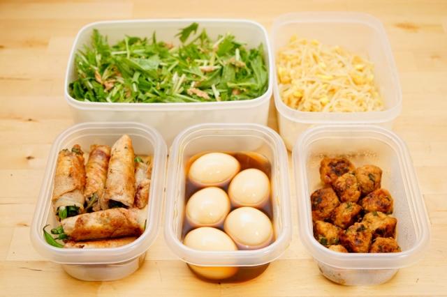 反覆加熱剩菜,不僅影響口感,更會破壞維生素等營養素,讓營養流失。(Shutterstock)