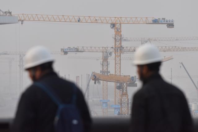 學者指出,北京當局在去(2018)年11月一場重要的內部研討會上,估計中國房地產市值約450兆人民幣(約新台幣2,070兆元),約達去年國內生產總額(GDP)的500%。圖為示意照。(AFP)
