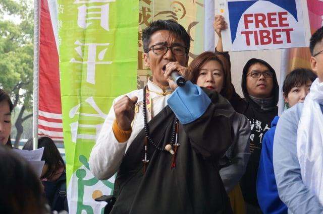 札西慈仁表示,「中共說的跟做的完全不一樣」,西藏被迫簽和平協議,迄今仍沒有真正的和平。
