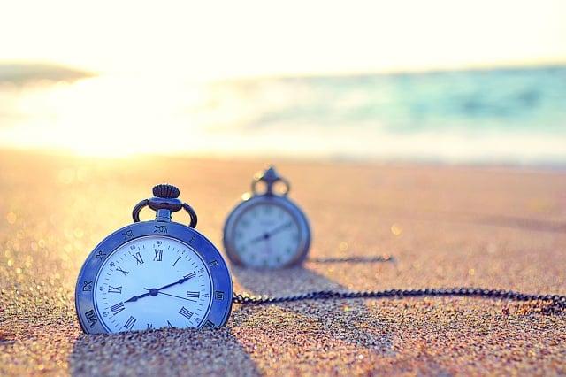 時間的流逝是等速的,為什麼在做不同的事情會對時間有不同的認知呢?(123RF)