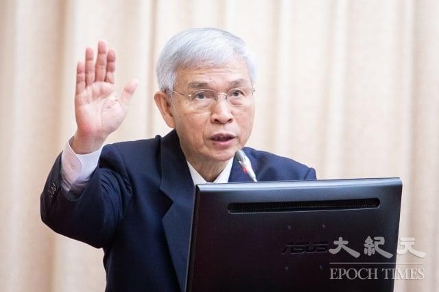 央行總裁楊金龍7日表示,北京緊縮外匯管制,將推遲人民幣國際化的腳步。(記者陳柏州/攝影)