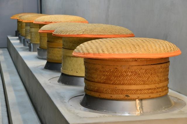 炭焙過程無煙無火,在特製的航太陶瓷爐中的炭火,藉著遠紅外線與紅外線交雜形成滲透型熱源。(老爺兩提供)