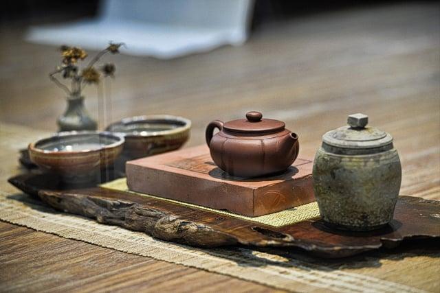 茶葉中的兒茶素是一種可可鹼,可以增加喝茶人的快樂指數。(老爺兩提供)