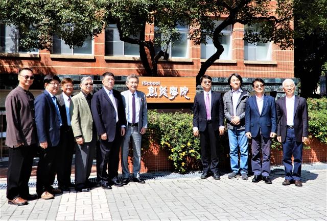 全國第一所「創能學院」3月12日於逢甲大學揭牌。(記者黃玉燕/攝影)