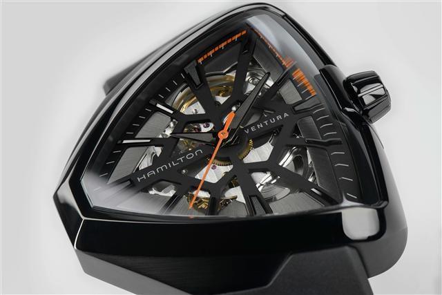 VENTURA鏤空特仕腕錶四月份正式限量發售。(漢米爾頓提供)