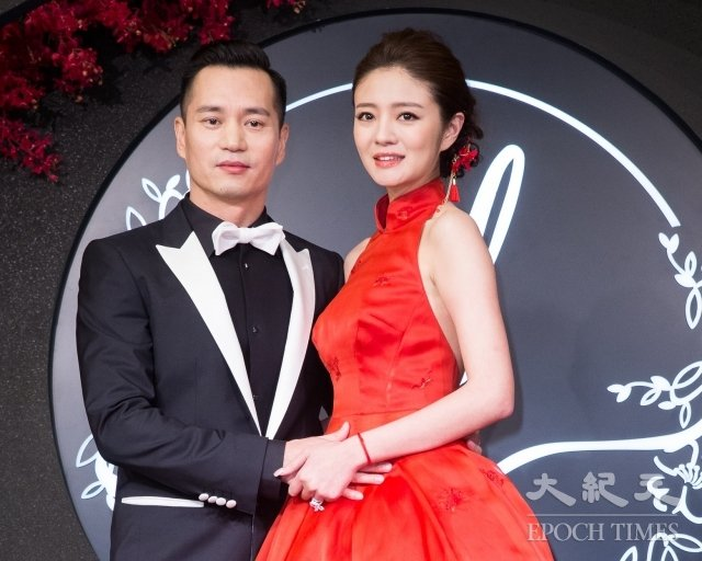 藝人安以軒(右)與澳門某集團CEO陳榮煉(左)婚後兩年,於2019年3月15日宣布有喜。圖為在台北舉辦婚宴之資料照。(記者陳柏州/攝影)