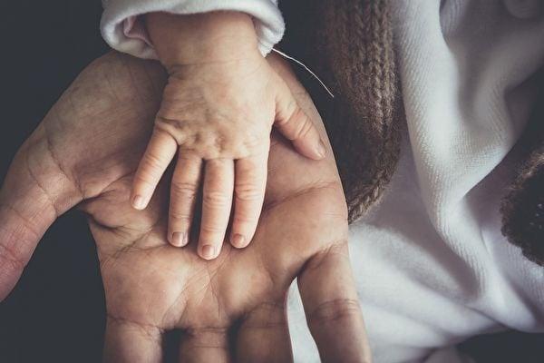 麥克爾平醫生並不是專治絕症的醫生,但他發現這些孩子們的臨終治療不被重視後,就決定自己做。(Pixabay)