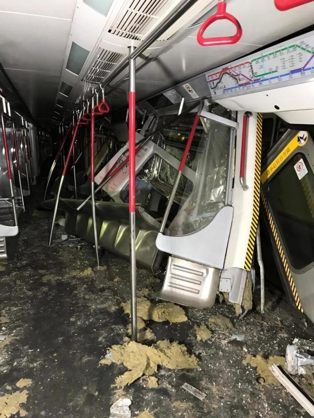 香港地鐵18日凌晨進行測試新信號系統期間,發生列車相撞。(港鐵提供)