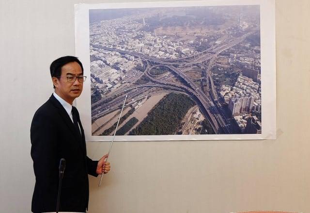 立委李昆澤召開鼎金系統交通安全檢討會,希望透過軟、硬體讓鼎金系統交通更安全。(立委李昆澤提供)