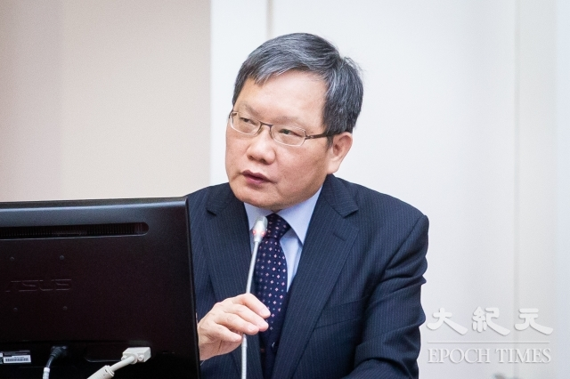 財政部長蘇建榮1日表示,華映、綠能財務危機事件,公股銀行合計損失約新台幣23億元。(記者陳柏州/攝影)