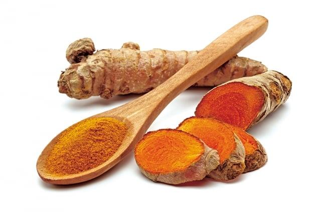 青光眼有益的蔬菜還有胡蘿蔔、白蘿蔔葉、青椒、南瓜、薑黃等。(Fotolia)