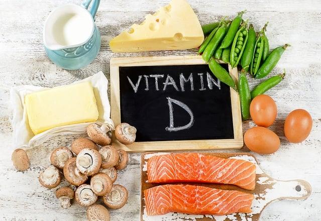 每天抽時間晒晒太陽,吃各種各樣的天然食物,就能得到所有人體健康所需的維生素。(Fotolia)