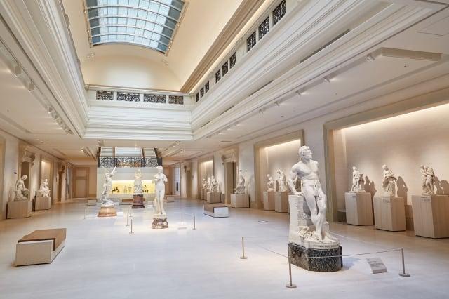 「雕塑大道」展出自文藝復興以降的雕塑作品(奇美博物館提供)