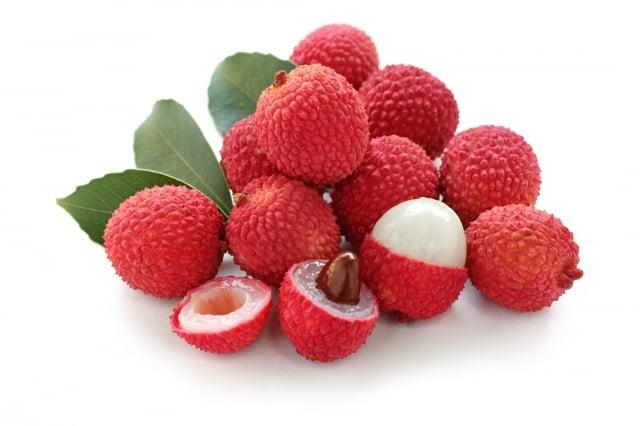 荔枝在中國已有2千年的種植歷史,是亞熱帶珍貴的水果,自古以來即為水果聖品,是歷代歷年皇帝的貢品,也因受到楊貴妃的青睞更聲名大噪。(shutterstock)