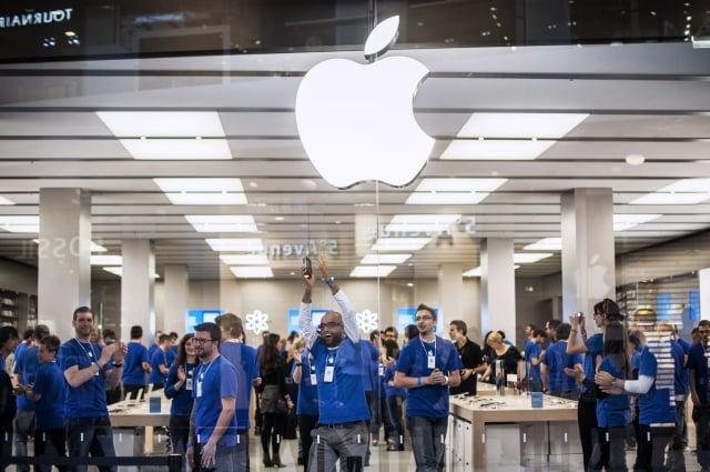 蘋果30日盤後公布2019會計年度Q2財報繳出不錯的成績單,蘋果盤後股價飆高、市值破兆。(Getty Images)