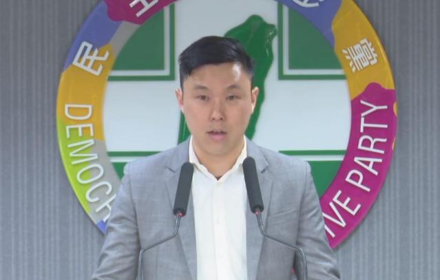 民進黨發言人李問在《外交家雜誌》上投書表示,中共對維吾爾族人權的壓迫,可能對兩岸關係產生影響。(民進黨中央黨部提供)