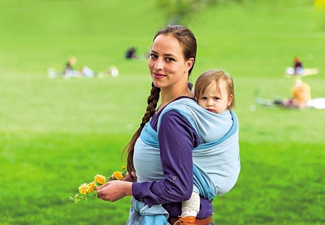 美國著名小兒科醫生、兒童發展專家卡爾普在書籍中表示,襁褓是安撫嬰兒的絕佳方法之一。(Fotolia)