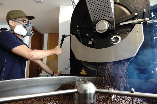 一杯精品咖啡除了要好喝,背後也存在許多社會責任。(Scott