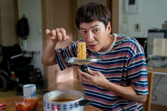 片中李光洙飾演一名智能障礙人士。(采昌國際多媒體提供)