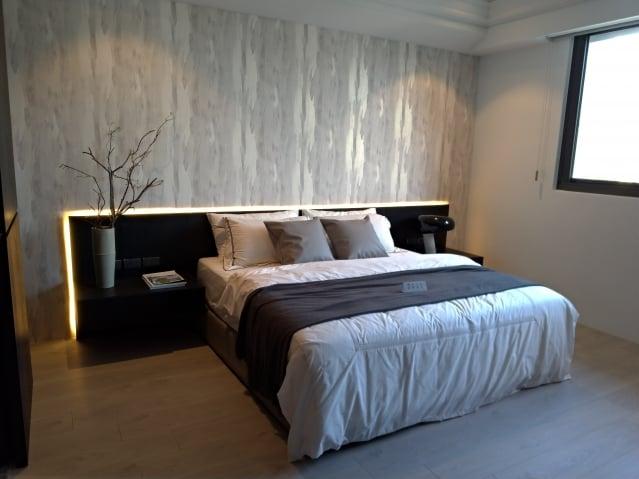 床鋪兩側宜留通道。(三川/攝影)