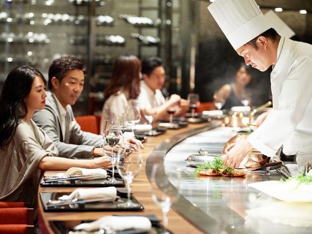 來自日本的米其林一星鐵板燒餐廳「晶華UKAI」。(業者提供)