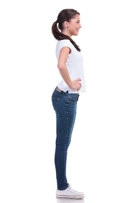 腰部和脊椎互相連接,是支撐脊椎動作時的軸心。(Shutterstock)