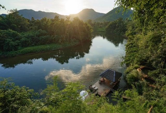 泰國北碧府區域的桂河國家生態公園,擁有不少奇山秀水瀑布,還有獲評亞洲TOP10的生態美景。(東南旅遊提供)