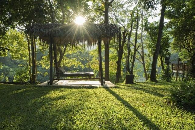 在叢林祕境中放空、沈澱心靈。(東南旅遊提供)