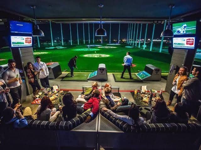職業探索澳洲,在高爾夫球練習場特訓,挑戰運動員技巧。(雄獅旅遊提供)