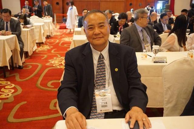 加拿大僑務委員江文基認為,美中貿易戰,是台灣的機會,政府要把握。(記者李怡欣/攝影)