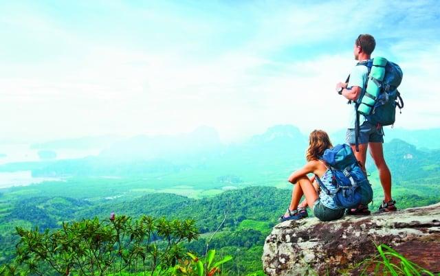 登山時因為身體無法適應高海拔特殊的環境,造成不適稱為「高山症」,也稱為「高海拔疾病」。(Fotolia)