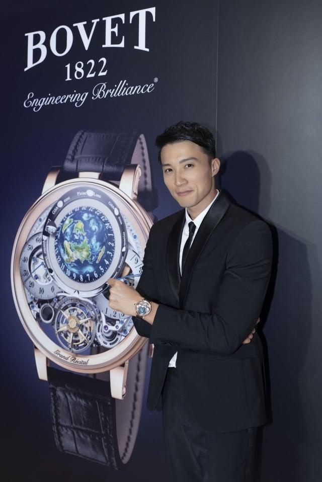 男模配戴獲得金指針大獎的Bovet Récital 22 Grand Récital錶款。