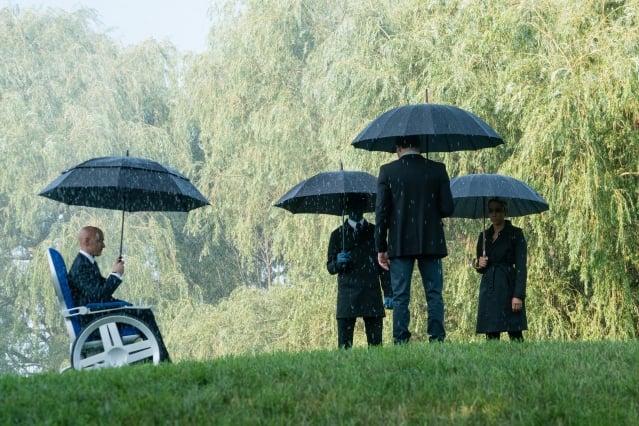 在《X戰警:黑鳳凰》預告片中的告別式場景,引起許多影迷的猜測。(二十世紀福斯提供)