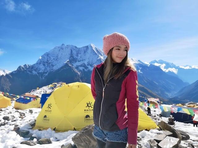 詹喬愉去年登頂世界第八高峰「馬納斯魯峰」,圖為在大本營所拍攝照片。
