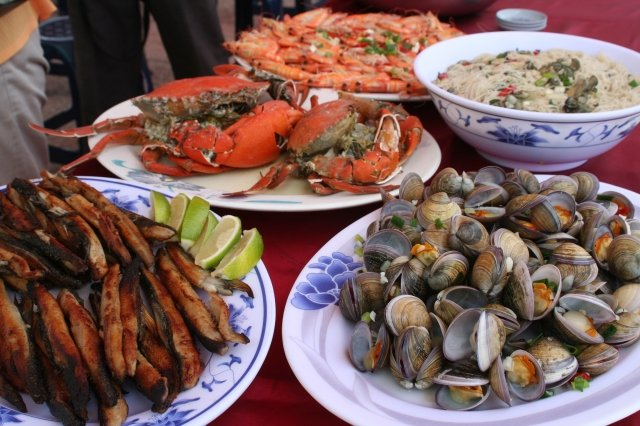 七股海產節美食。(記者賴友容/攝影)