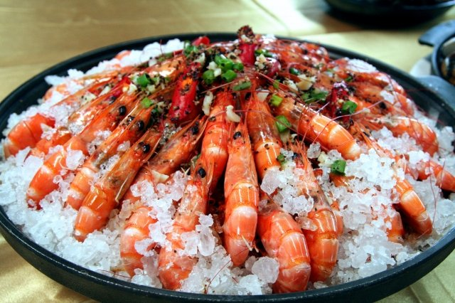 七股鹽焗蝦。(記者賴友容/攝影)