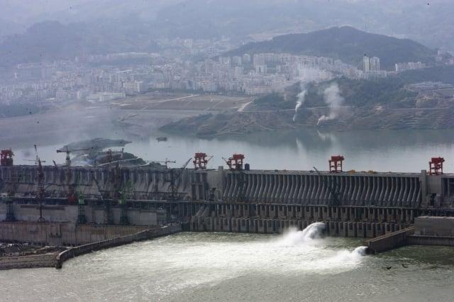 近日,一則有關「三峽大壩變形」的消息引發輿論聚焦。(China Photos/Getty Images)