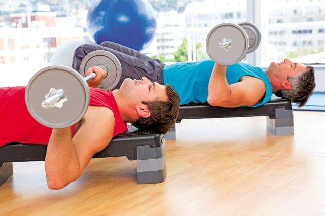 倘若你的目的是培養肌肉,那就先做有氧運動,再做肌力訓練。(shutterstock)